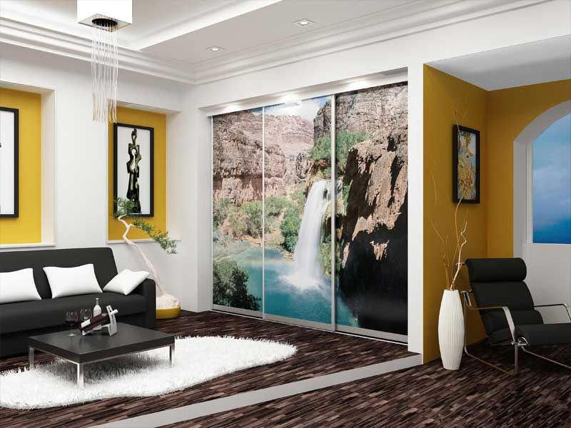 Фотопечать на стекле в интерьере гостиной фото
